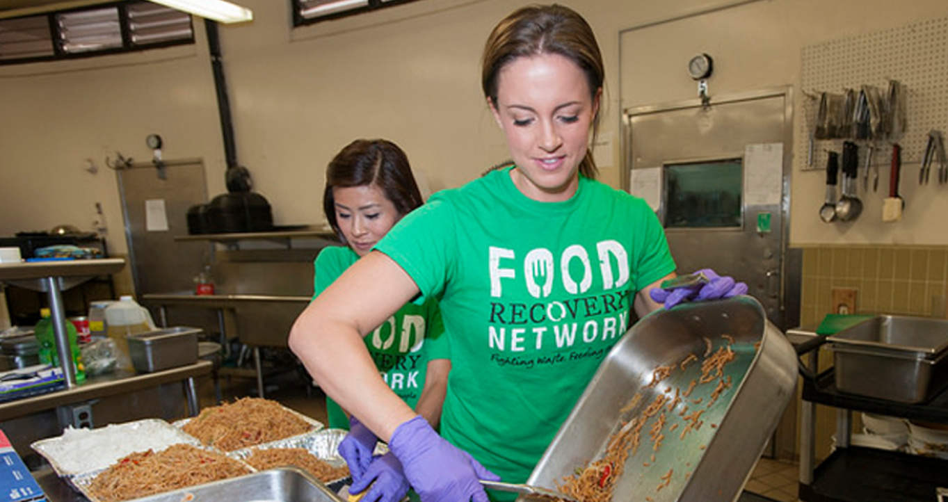 Dietetic Students Feed the Homeless